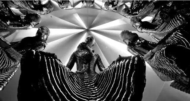 Gareth Pugh - Spring Summer 2011 Video Full Fashion Show f