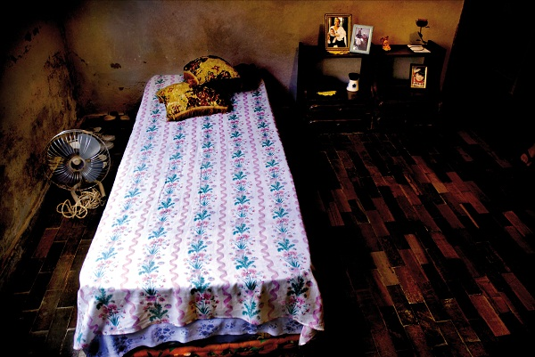 Photograph-from-the-series-Beds-Belo-Horizonte-Brasil-2006-C-Rodrigo-Albert