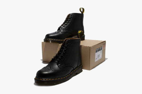 Wingtip 7-Hole boots