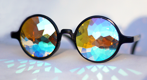 holes_kaleidoscopic_glasses1