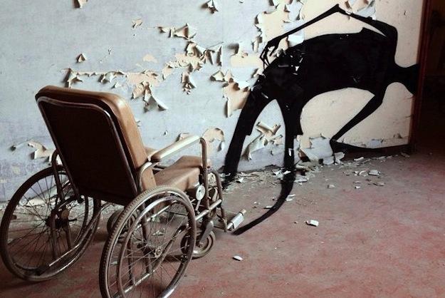 abandonedhospitalart-1