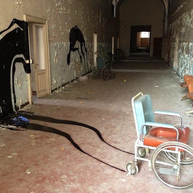 abandonedhospitalart-4