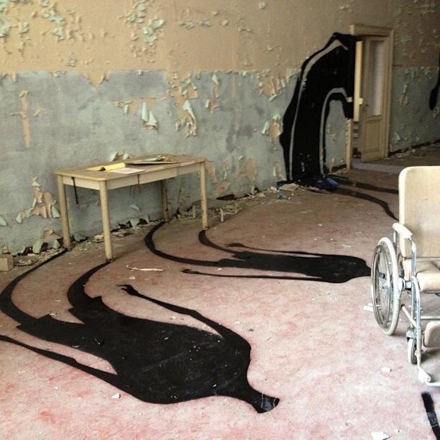 abandonedhospitalart-5