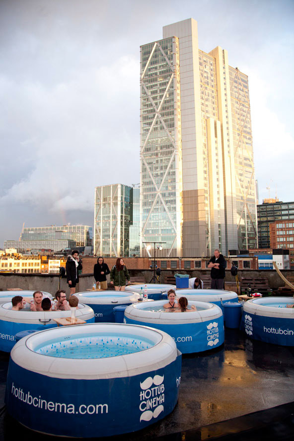 hot_tub_cinema_designboom_03