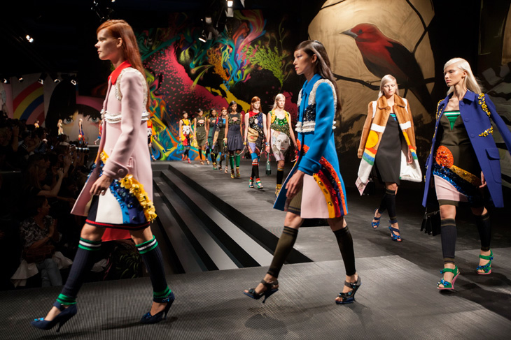 Prada-Womens-SS14-Fashion-Show-Space-01