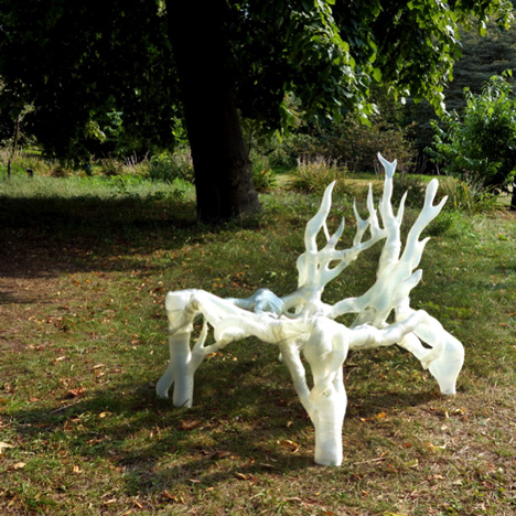 Mycelium-Chair-by-Eric-Klarenbeek-scale-model-2-dezeen-sq