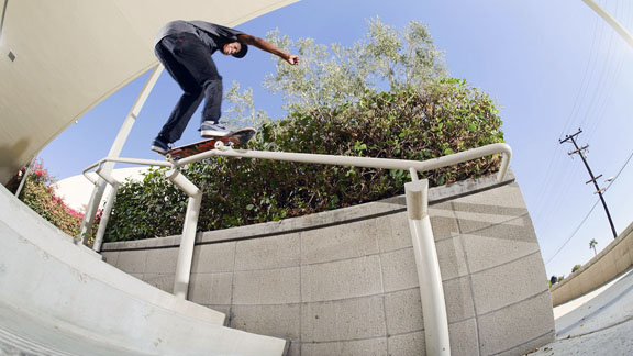 as_skate_Ishod_Wair_action_576
