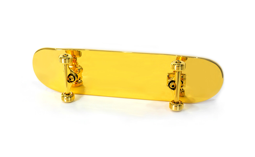 goldplated_skateboard_00