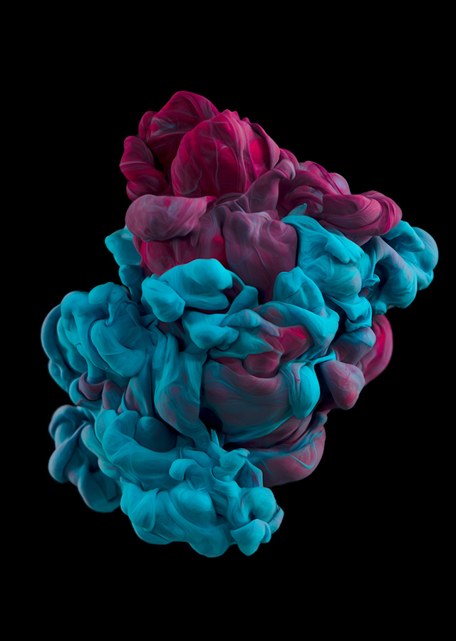 ink dropped into water on a black background by alberto seveso (3)