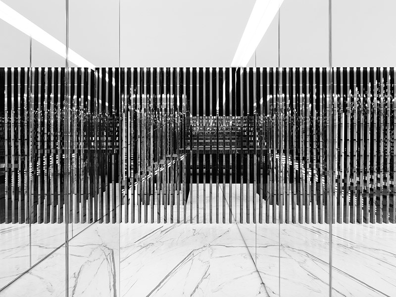 New-Saint-Laurent-Store-in-Milan_fy2
