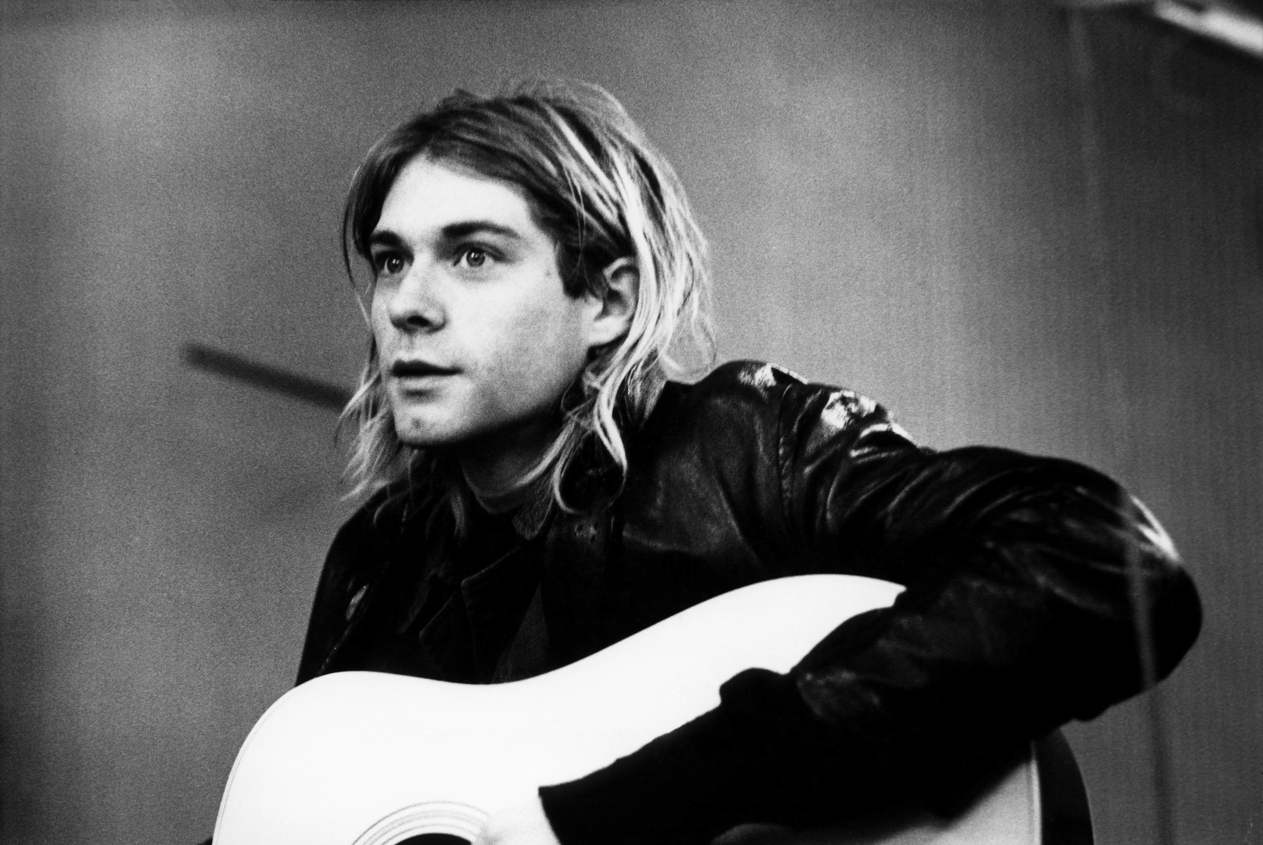 photo-of-kurt-cobain-and-nirvana-1