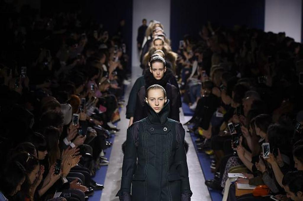 sacai-atmoshpere-autumn-fall-winter-2015-pfw3