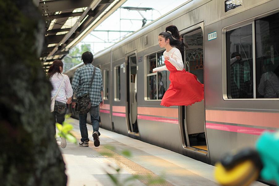 Natsumi Hayashi adores to levitate!