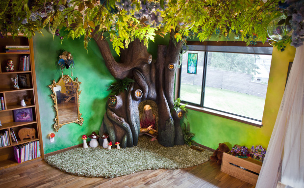 dad-builds-a-tree-in-his-daughters-bedroom-2