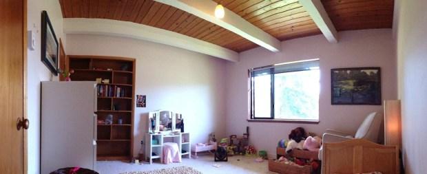 room-before-tree