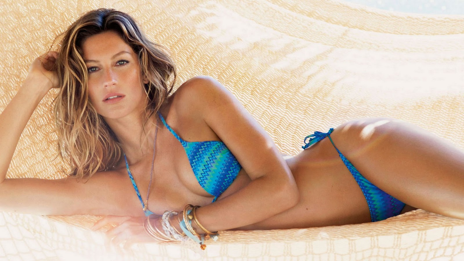 gisele-swimsuit